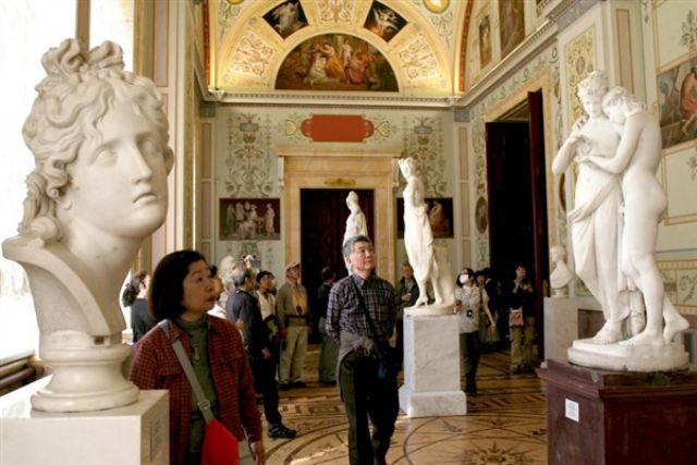 Музей стал общедоступным в 1852 году, при Николае Первом.