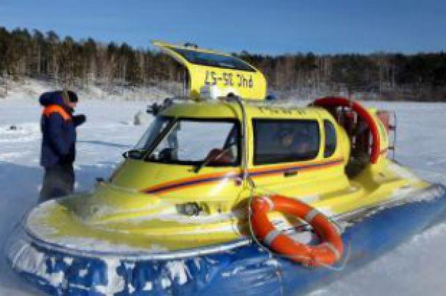 Одно из судов на воздушной подушке, принимавшее участие в спасении рыбаков.