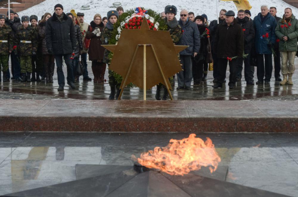 За время поисков также были найдены родственники нескольких сотен погибших советских солдат. Также были обнаружены более 7,5 тысяч взрывоопасных предметов и около 300 единиц стрелкового оружия, оставшихся после Второй мировой войны.