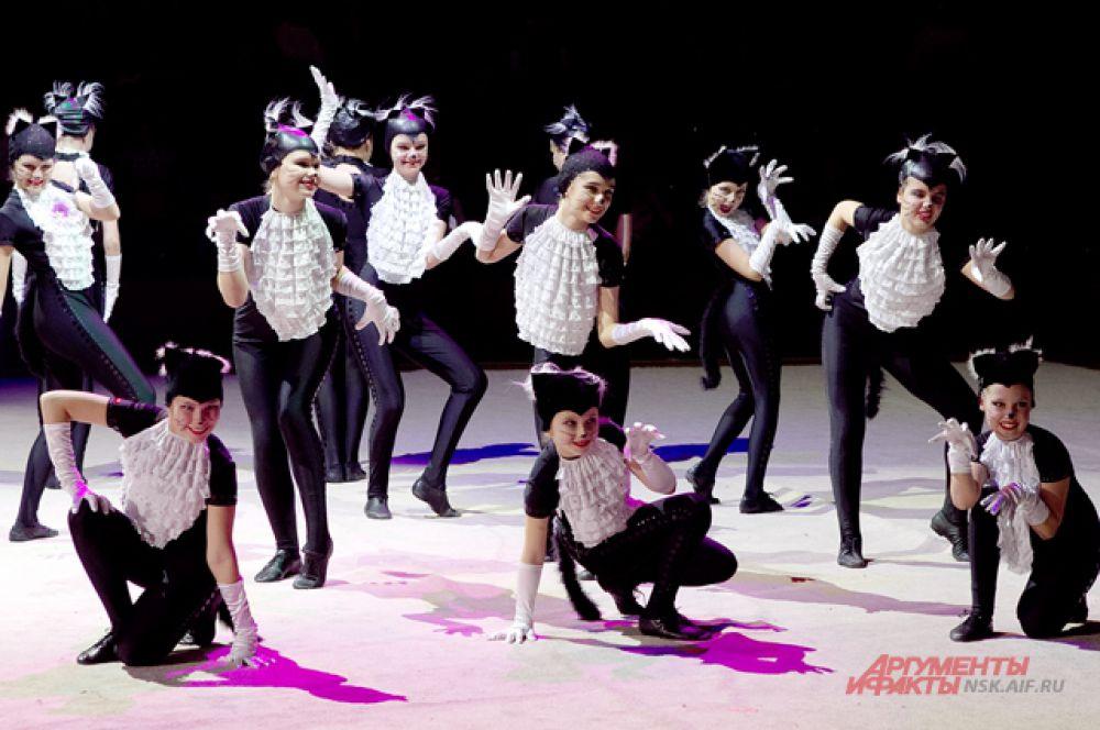 От спорта до искусства - в частности - танцевальных постановок - затронула программа Гимнастрады.