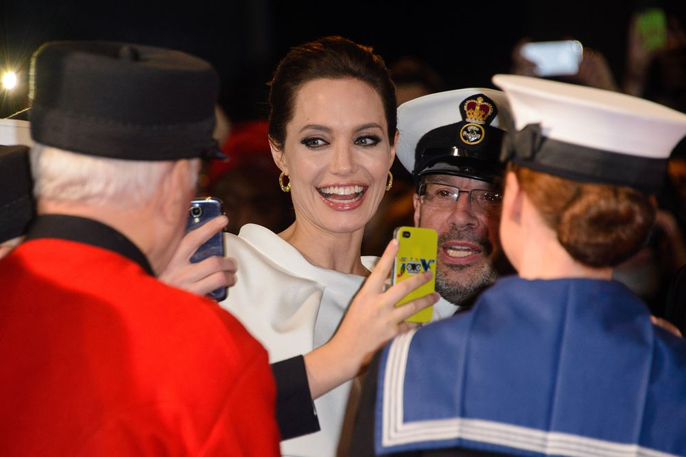 Макияж был бы как у Анжелины Джоли.