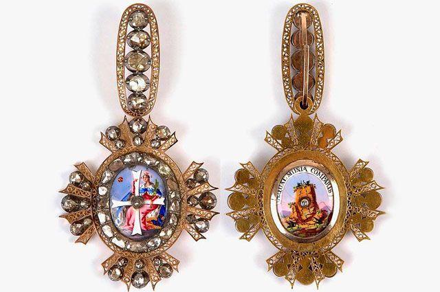 Императорский орден Св. Екатерины 2-й степени, лицевая и обратная стороны.