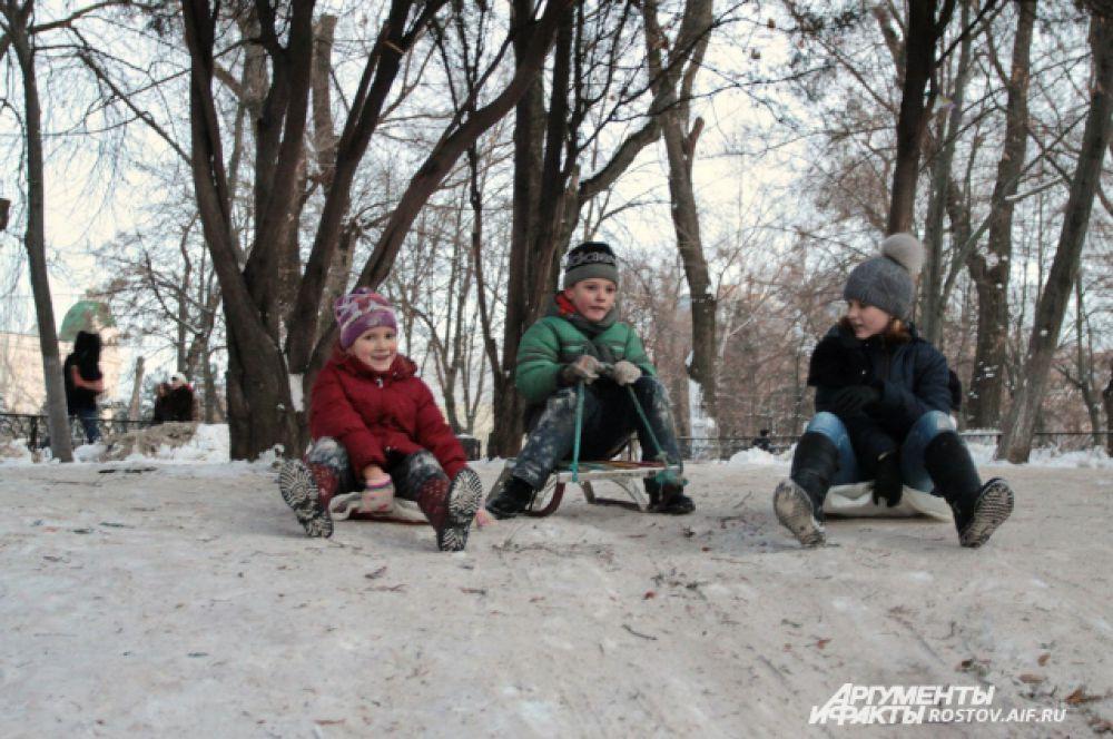 Больше всех рада зиме детвора.