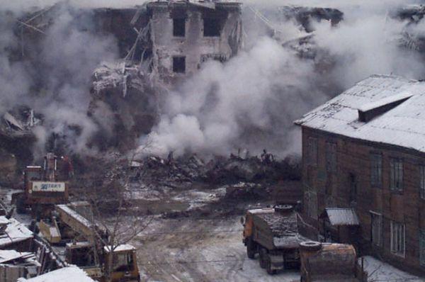 Большинство жителей дома №45 из тех, кто в это время находился в квартирах, погибли.
