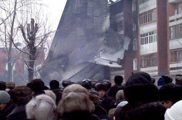 Из-за пожара пострадало несколько квартир в доме №120.