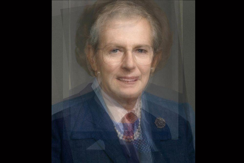 Премьер-министры Великобритании: 1955–2008 годы. На портрете изображены все премьер-министры Великобритании, формально назначенные на эту должность королевой Елизаветой II. Самая заметная фигура, разумеется, Маргарет Тэтчер.