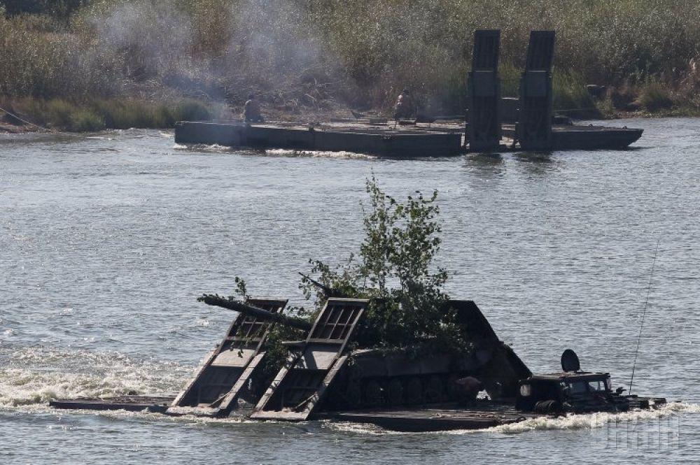 Один из самых сложных вопросов украинской армии – ситуация с Черноморским флотом. Только в 1997 удалось его решить благодаря подписанию специального соглашения с Россией