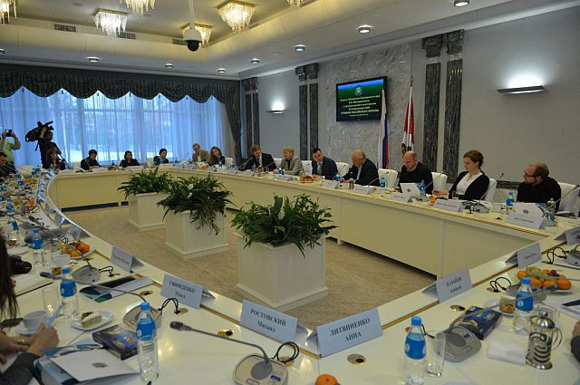 Встреча губернатора с представителями СМИ проходила в формате пресс-завтрака.