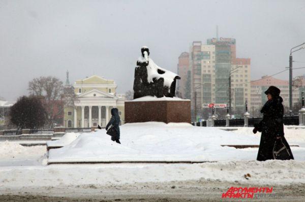 Челябинск встречает декабрь под основательным снежным покровом.