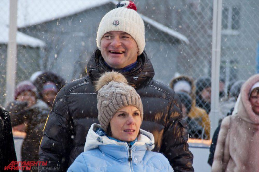 На открытие приехали Алексей Тихонов и Мария Петрова.