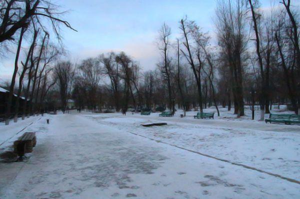 В Воронеже снег выпал в начале декабря. Уставшие от серой осени горожане с удовольствием отправляются на активный зимний отдых, даже несмотря на морозною погоду.