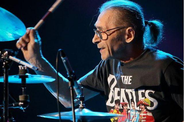 Барабанщик группы ДДТ умер в Москве