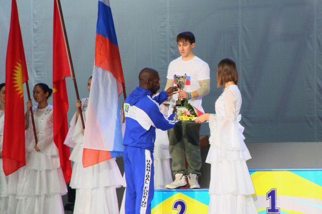 Валерий Кищенко стал вторым на соревнованиях по воркауту.