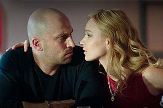 Дмитрий Нагиев и Анастасия Панина в сериале «Физрук».