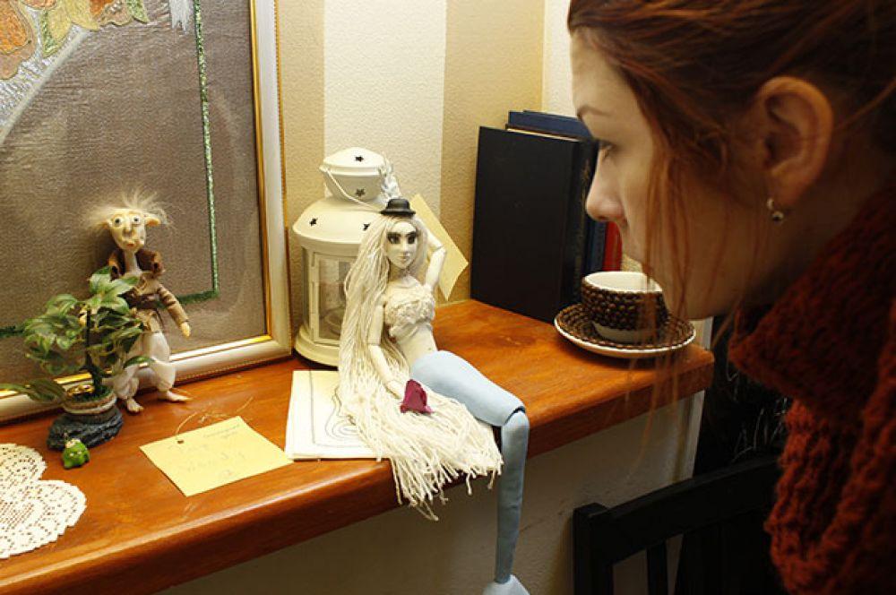 Персонажи Анны Буравковой взяты как из реальной жизни, так и из мультфильмов и сказок.