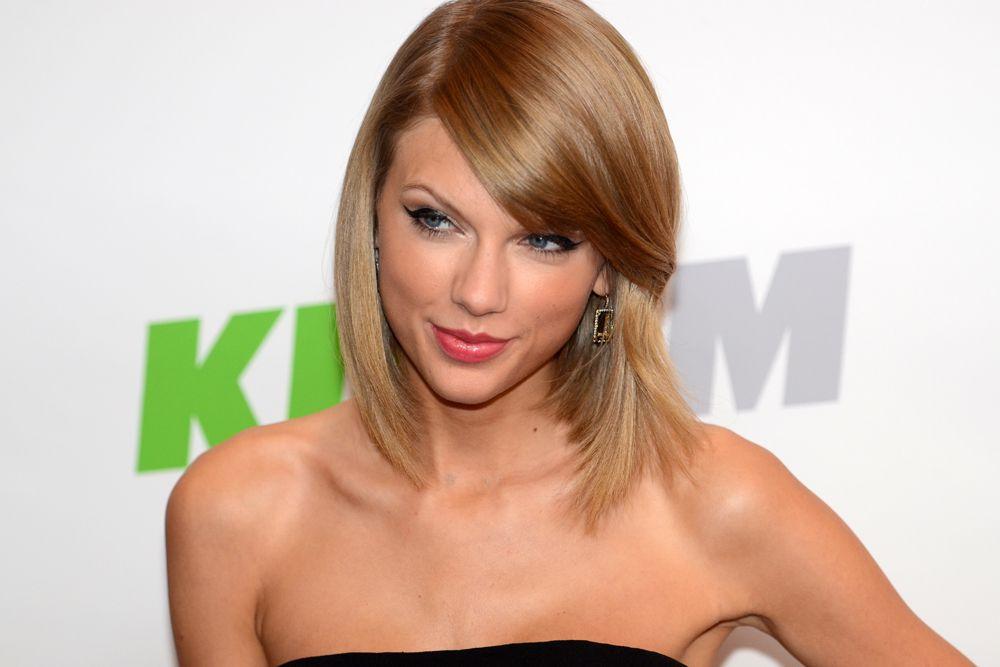 Единственной женщиной из восьми претендентов оказалась американская кантри-поп-исполнительница и актриса Тейлор Свифт.