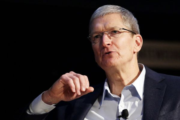 На звание «Человека года» номинирован глава корпорации Apple Тим Кук. Компания под его руководством в 2014 году выпустила сразу несколько новинок, в том числе долгожданные Apple Watch.