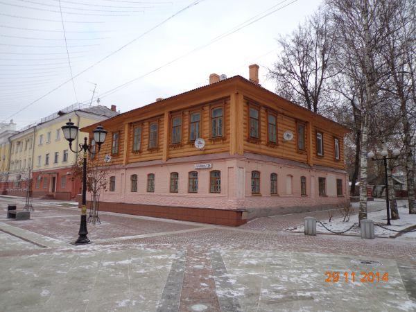 Жилой дом 1886 года постройки. Эклектика. Бульвар Гагарина, 26