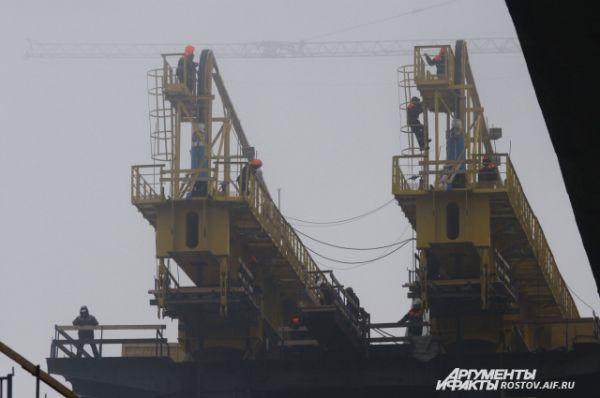 В феврале 2014 года в Ростове начата реконструкция Ворошиловского моста.