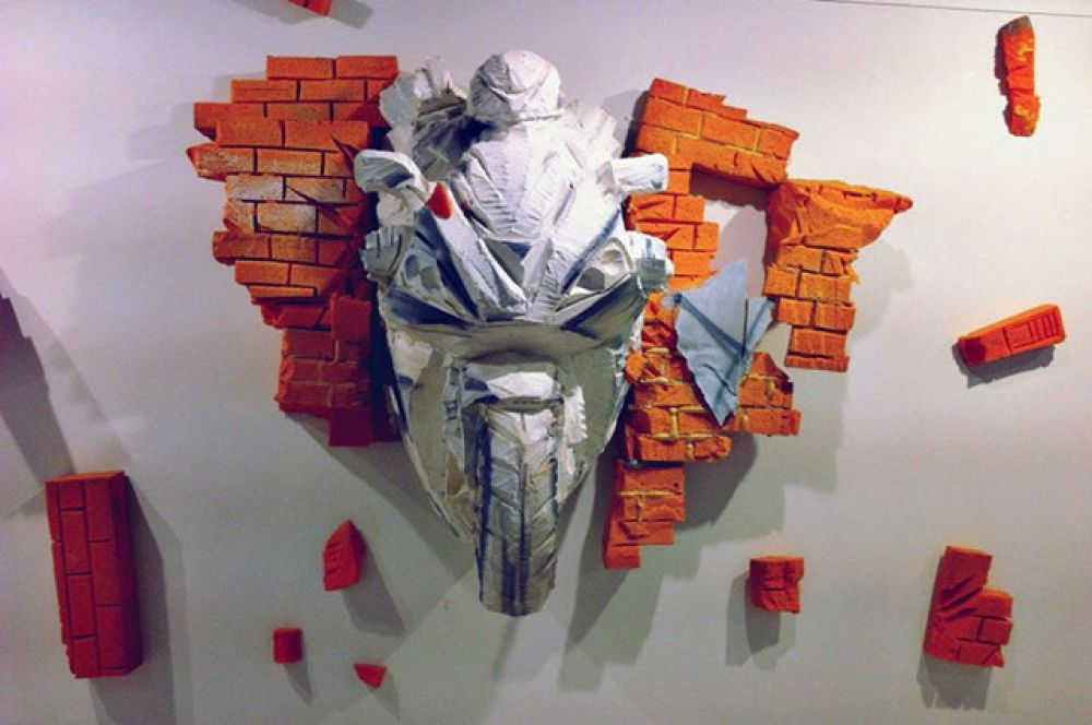 «Мотоциклист» сделан из поролона.