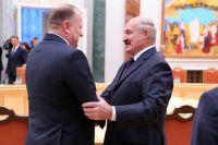 Николай Цуканов и Александр Лукашенко встретились как добрые друзья.