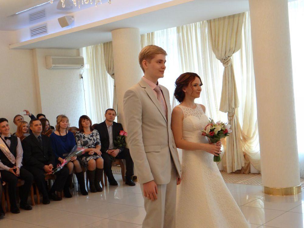 Теперь эта пара не просто влюбленные, они муж и жена!