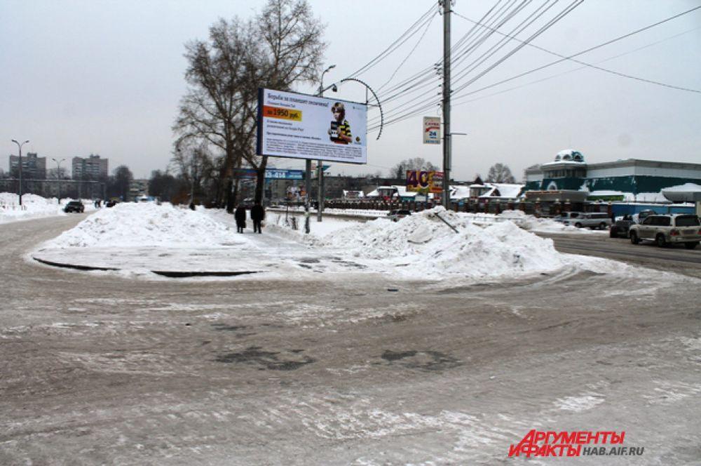 Дорога на углу Фурманова и Суворова. Одно из мест для экстремального вождения