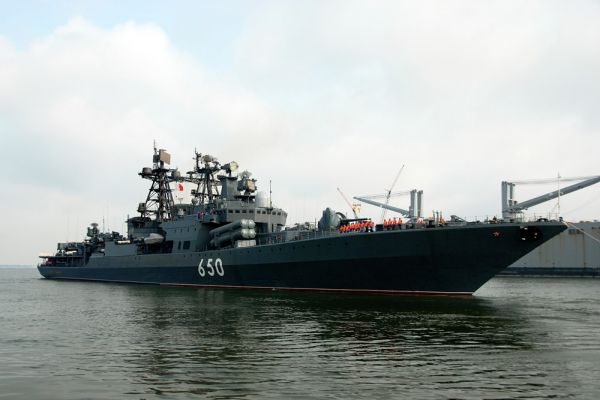 Большой противолодочный корабль «Адмирал Чабаненко» является наиболее современным и единственным российским кораблем такого класса. Этот корабль способен в одиночку 30 суток уничтожать суда врагов. Перед его мощью не устоят ни надводные корабли, ни подводные лодки.