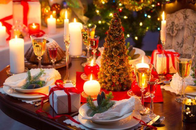 Новогодний стол - один из важных атрибутов встречи наступающего года.