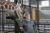 Отважный Николай Николаевич Дроздов не боялся подходить близко к животным.