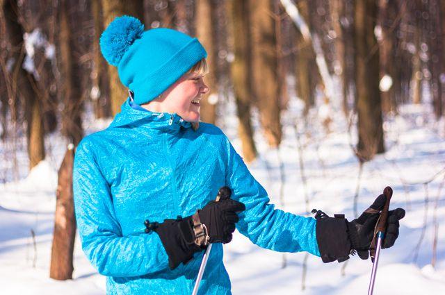Катание на лыжах - полезное и приятное занятие.