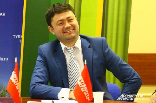 Даниял Сатаев обсудил с участниками круглого стола возможности дальнейшего кредитования сельхозпроизводителей.