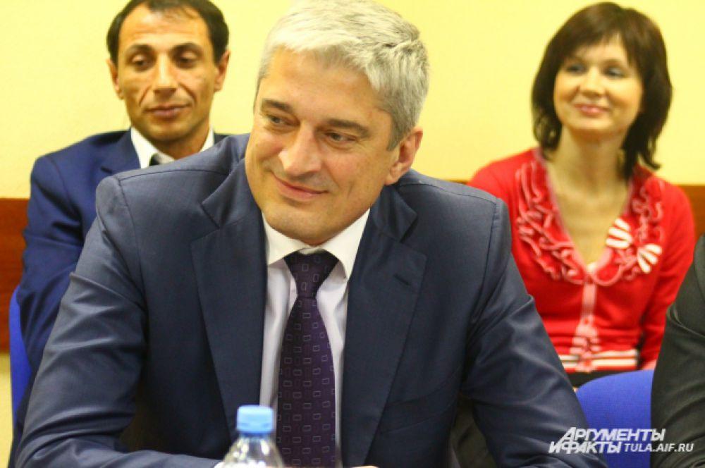 Генеральный директор «Кубань-масло» Эдуард Коченов во время круглого стола договорился о взаимовыгодном сотрудничестве с Сергеем Власовым.
