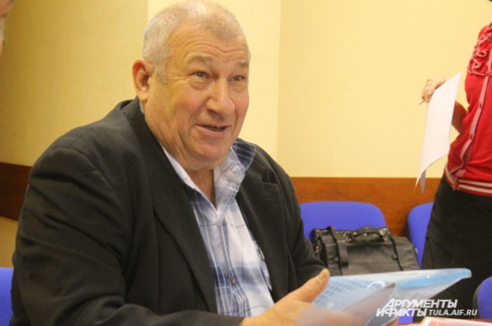Председатель комитате по АПК ТТПП Владимир Пронин предложил создать прозрачную, чёткую региональную программу развития АПК и продумать тему новых рынков для сбыта сельхозпродукции.