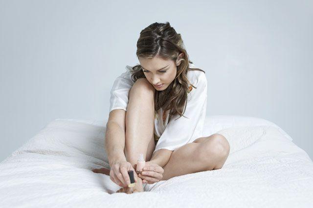 Как удалить вросший ноготь на пальце ноги дома и в больнице
