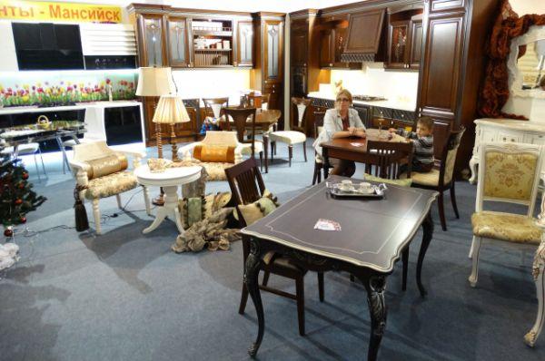 Стенд производителей мебели.