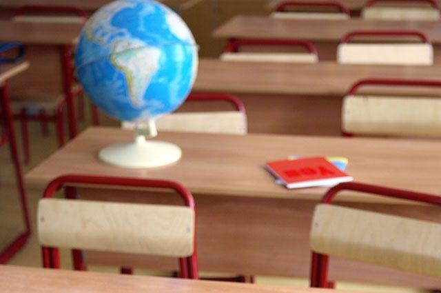 Из-за массового отравления классы пустуют.