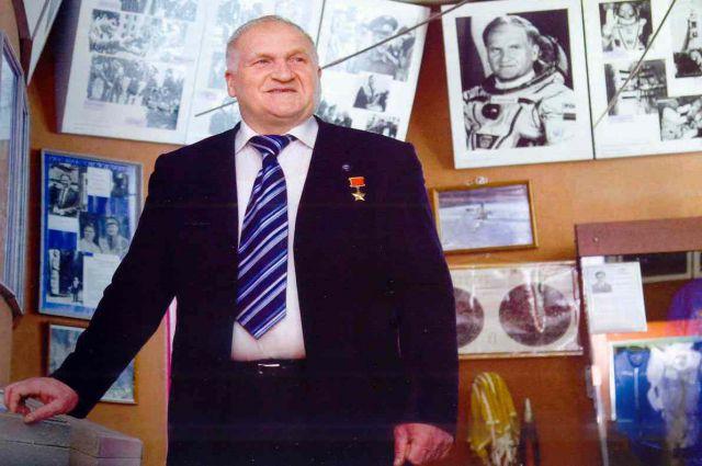 Виктор Афанасьев.