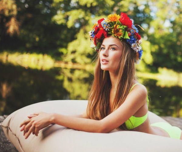 «Мисс Украина Вселенная-2014» в будущем мечтает стать прокурором. Сейчас 19-летняя студентка учится в Национальном юридическом университете им. Ярослава Мудрого. Любимый предмет – криминалистика