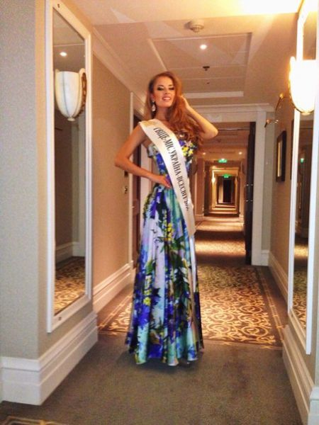 Свой первый титул на конкурсе красоты завоевала в 5 лет – «Мисс зрительских симпатий»