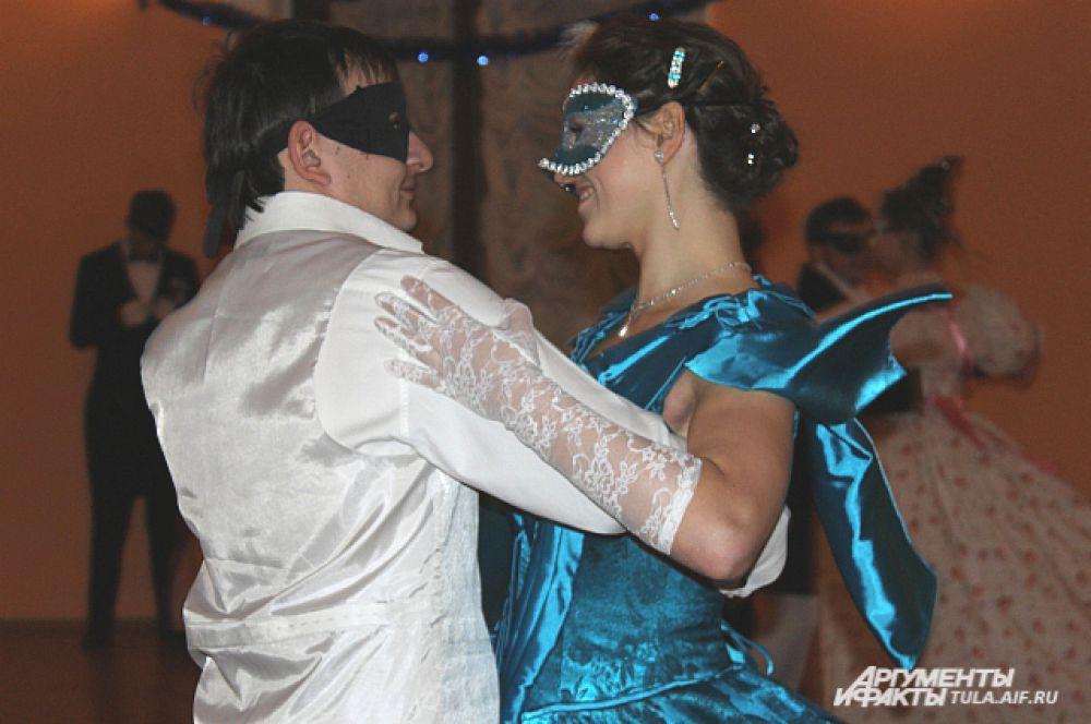 Костюмы и маски гостей были основательно продуманы, а все образы - неповторимы.