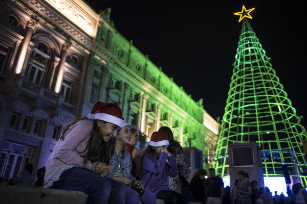 В Буэнос-Айресе (Аргентина) в прошлом году могли любоваться 3D-елкой высотой 7,4 метров