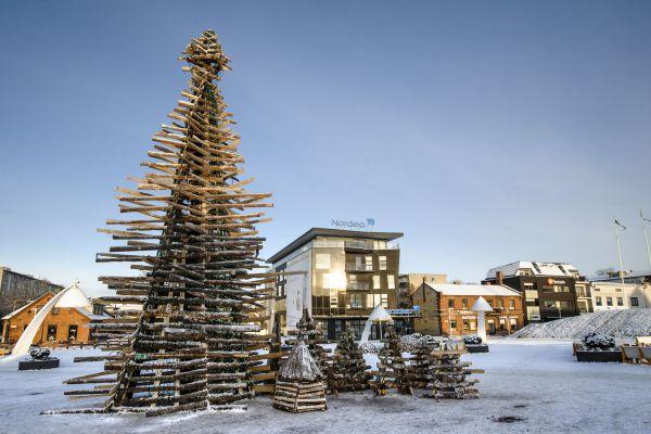 В ход для строительства елки в Эстонии пошли отходы древесины из местных заводов