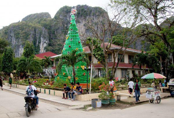 Ежегодно население Филиппин традиционно празднует Рождество 11 декабря