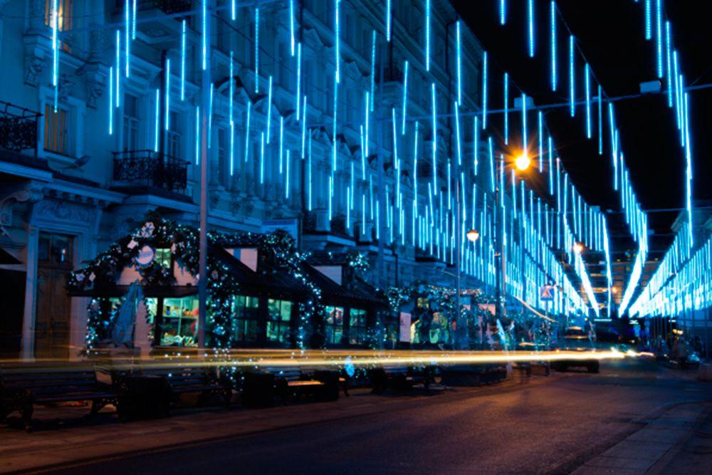 Новогодняя иллюминация на улице Большая Дмитровка.