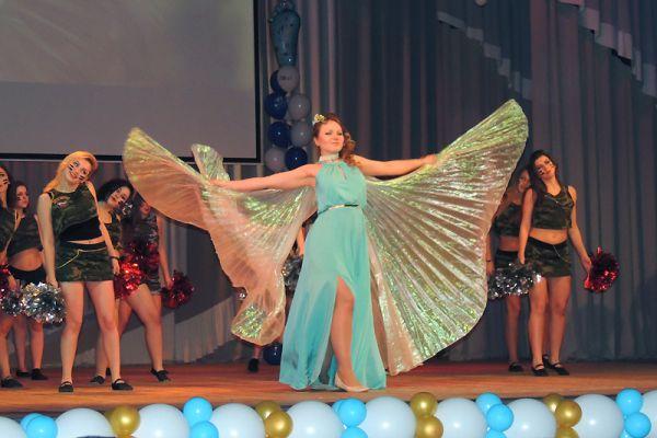 Мария Самойлова в образе райской птицы.