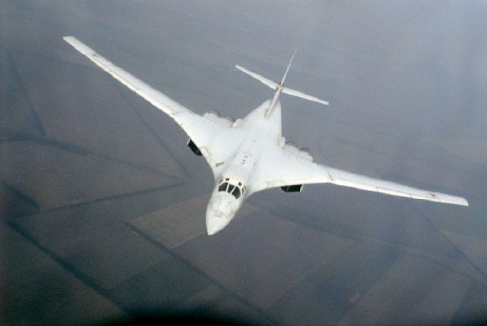 Стоимость Ту-160 по состоянию на 1993 год составляет 250 миллионов долларов США.
