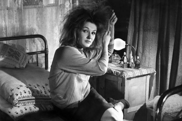Тогда девушка поступила в другое хореографическое училище — при Театре имени К. С. Станиславского и В. И. Немировича-Данченко. А через какое-то время перевелась оттуда, куда и хотела изначально — кстати, в училище при ГАБТ молодая балерина училась вместе с Марисом Лиепа и Наталией Касаткиной.