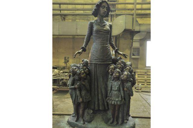 Памятник учителю для Иркутска.