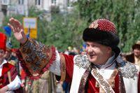 Петр Пимашков в костюме воеводы XVII века на Дне города Красноярска